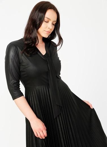 Selen Selen V Yaka Elbise Siyah